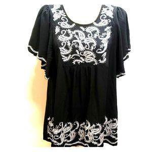 Sz PL Westbound Boho Black Embroidered Top C17